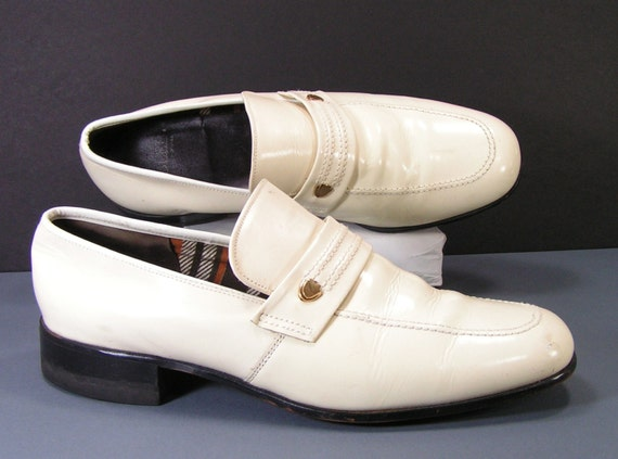 1970s shoes mens 10 5 c loafers bone antique white patent