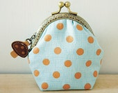 Christmas Special // Coin Purse // Mushroom // Light blue and dots