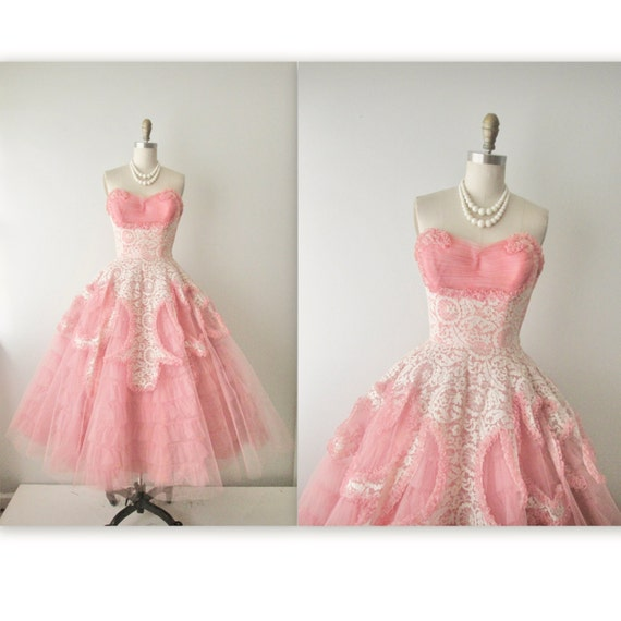 50s Prom Dress // Vintage 1950s Coral Tulle Lace Strapless
