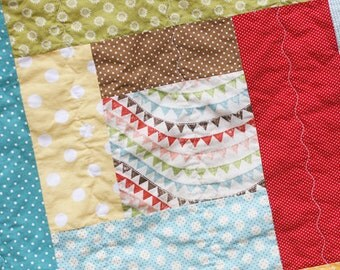 READY TO SHIP - Dots Around the Block Baby Quilt