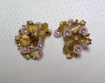 Vintage gold tone leaves rhinestones and faux pearls in Amethyst flowers clip earrings..