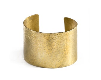 QUITO//RIO - Hammered Brass Cuff Bracelet SIPAN (FB07)