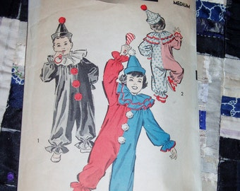 Vintage 1940s Advance Pattern 707, Clown Costume, Boys and Girls, Size Medium