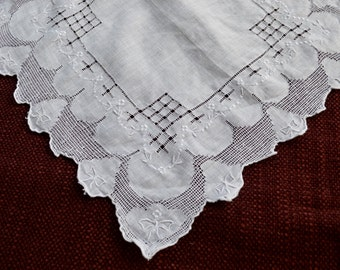 Vintage Hankie White Linen and Lace Cut Work Handkerchief with Tiny Embroidered Bows Wedding Hankie Beautiful