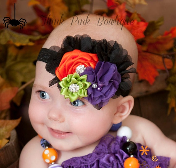 Princess Bowtique's Halloween Baby Headbands and Hair Bows are sure to put a smile you little princess. Weather you dress her up in one of our many Halloween Baby Flower Headbands or Hats, We are sure you will find the right fit for your infant.
