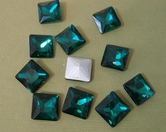 2pcs- Vintage Faceted Glass Foiled Back Jewels Emerald Square12x12mm