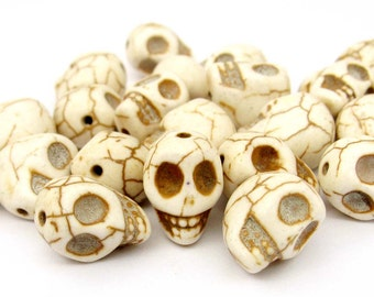 40Pcs Imitate White Turquoise Carved Skull Head Beads Loose Jewelry Finding--13mm x 12mm x 10mm  ja553