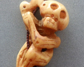 Tibetan Bone Carved Skull Skeleton Pendant Bead 30mm x 18mm  T1967