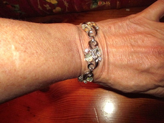 MINT Signed TRIFARI Silver Rhodium Plate Superb RHINESTONE Vintage Bracelet - Alfred Philippe