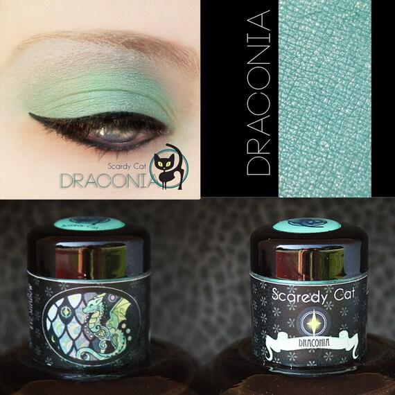Green Eye Shadow - Vegan - Loose Mineral Pigment Eyeshadow - Scaredy Cat - DRACONIA - 5 mL Sifter