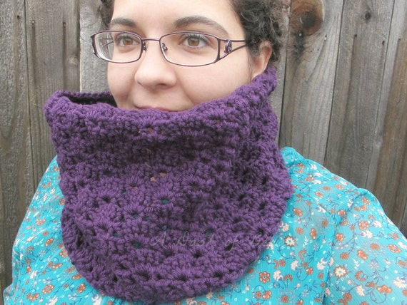 Textured Crochet Cowl Pattern ~ Evelyn Cowl ~ Adult/Teen Size