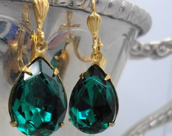 Vintage Estate Earrings Emerald Green Pear Old Hollywood bridal weddings