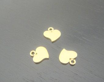 Matte Gold Tarnish Resistant mini heart bead disk Connectors, Earring Findings, pendants, 4 pc P39874