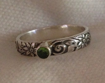 Beautiful Daisy Swirl Design Sterling Silver Band with Faceted  Gemstone.Eco Friendly. Reclaimed Silver.