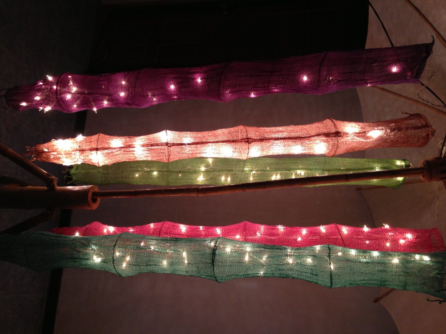 Hanging cotton net 1 5 m with 20 bulbs string lights classic for Classic house string sound
