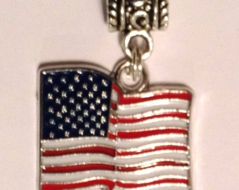 US WAVinG FLAG UsA AMEriCa Pendant European Charm, WOrld Cup Championship OLYmpiCs SocHi 2014 Bracelet Necklace Save 3/6.95 Collect them all