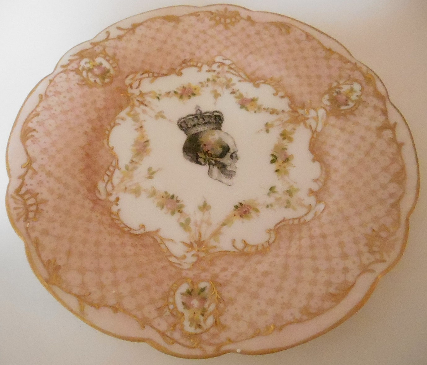 ... insect plates insect dishes pink gold dinnerware pink gold set pink gold plate pink gold plates pink plates. pink plate pink skull & Ornate Gold and Pink Skull Plate (Salad or Dessert - 7\