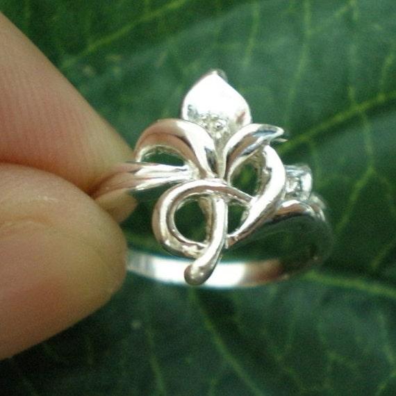 Lily Flower Fleur De Lis Silver Ring Size US 3 - 13 - Valentines Day, Spring Wedding, Mother Day Gift, October, November, December Trend