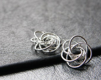 4pcs / Knot / White Gold Tone / Base Metal / Charms (ZD3752/J32)