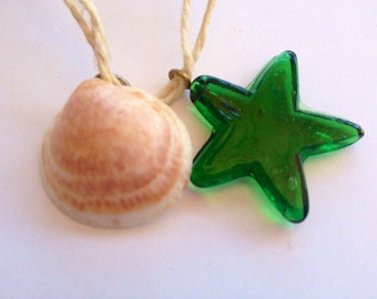 Beautiful beach necklace with shell and star pendant, hippie necklace, recycled, wedding, summer necklace, glass