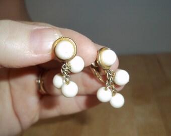 Vintage 50's 60's Kramer Milk Glass Beads Clip On Earrings