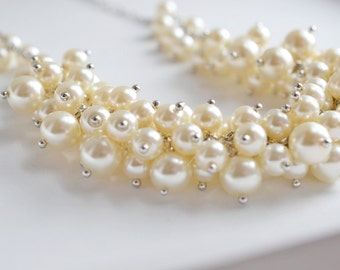 Ivory Cluster Pearl Necklace, Pearl Necklace, Bridesmaid Necklace, Chunky Pearl Necklace, Cluster Necklace,Chic, Bridal Ivory Pearl Necklace