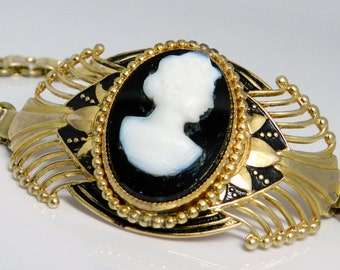 Lovely Antique Victorian Style Gold Tone Cameo Book Chain Bracelet