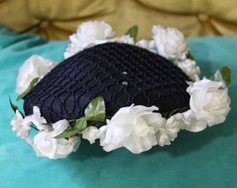 vintage navy blue hat with white flowers all around- charming retro chic