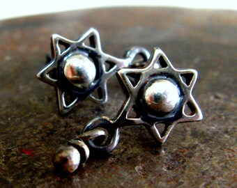 Star of David Organic Stud Earrings. Hanukkah Gift for Her & His. Sterling Silver Handmade by Amallia. עגילי מגן דוד - כסף מושחר