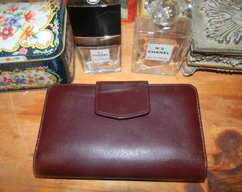 Vintage traditional Sharp Brown leather wallet.Small clutch bag. Ladies or Mens checkbook & card slots and Money  holder