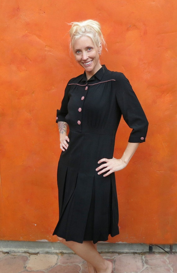 Pretty Vintage 1940s WWII Women's Black with Pink Piping and Buttons Swing Dress