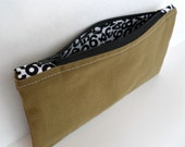 Green Zippered Pencil Case - Fabric Zippered Pouch - Handmade Cosmetic Clutch