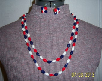 1960's Red White and Blue Glass Beads Extra Long Necklace -  Vintage Necklace and Earrings Set -  Clip on Earrings and Necklace Set