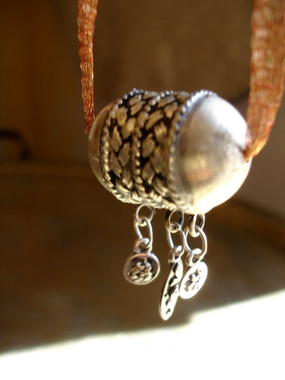 Moroccan diamante pendant necklace