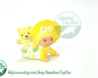 CLEARANCE Vintage 80s Strawberry Shortcake mini: Butter Cookie with Jelly Bear