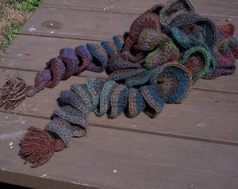 CURLICUE WOOL BOA in handpainted yarn