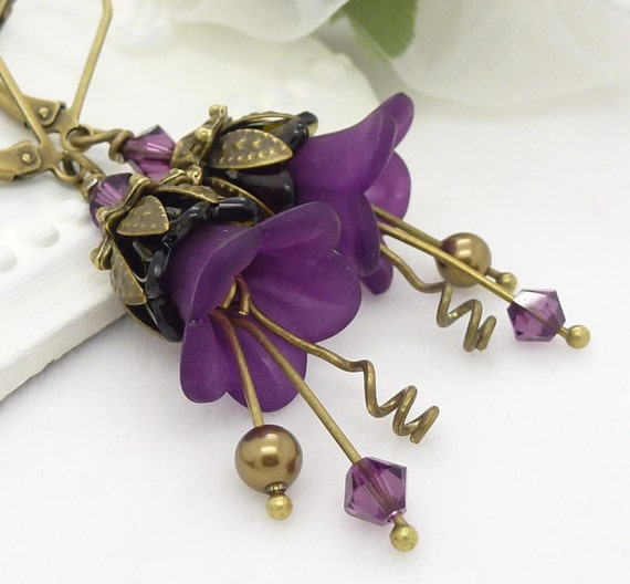 dark purple earrings violet purple lucite flower by wickedruby. Black Bedroom Furniture Sets. Home Design Ideas