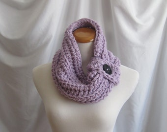 Cowl Button Neckwarmer Chunky Bulky Crochet Neckwarmer Cowl:  Purple Lilac with Black Button