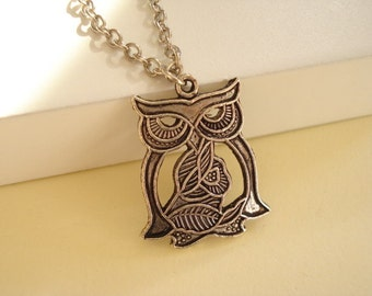 Owl Necklace Silver Tone NC262
