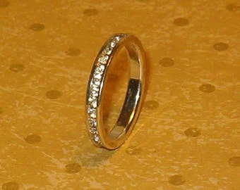 Promise Ring Eternity Band Pave Rhinestones Inset All Around, sz 7 to 7 1/2, Silvertone Metal