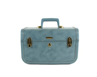 Go Away! - Vintage -Train Case - Suitcase - Make Up Case -Taperlite - Baby Blue