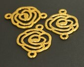 3 Tibetan Style GOLD FLOWER Link Connector - 26x19mm Flat Round Double Sided Flower Charm Connector  Links - USA Seller - Ref 4106