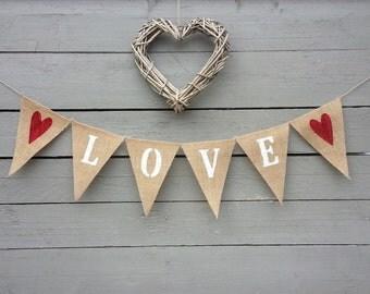 Love burlap banner bunting, Valentines banner, Wedding Garland