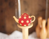 Spotty Teapot Brooch (Red)