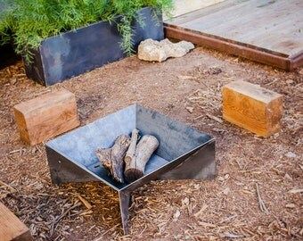 The Fin Fire Pit 36""
