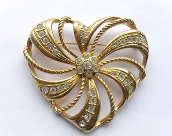 Avon Rhinestone Heart Brooch Romantic Valentine's Day Love Retro Jewerly