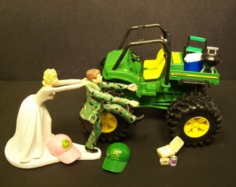 No Gator JOHN DEERE Bride and Groom in Camo Wedding Cake Topper Funny