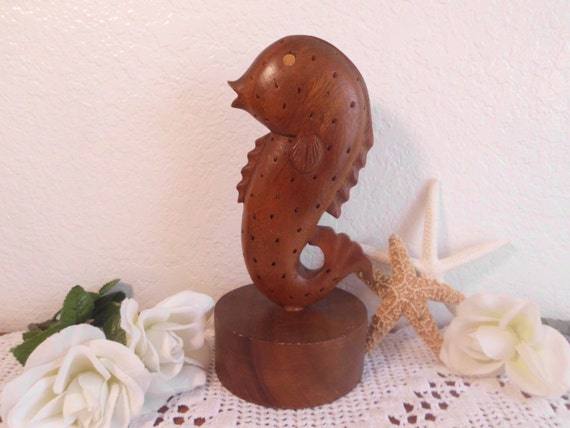 Vintage Wood Seahorse Appetizer Decor Luau Tiki Party Table Top Decoration Wooden Carved Server Tropical Island Beach Cottage Home Decor