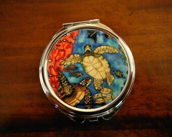 "Hawaiian Honu Turtle 3"" round compact mirror, Made in Hawaii."