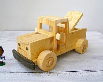 Handcrafted Wood Farm Truck, Children Wooden Safe Toy, Kids Waldorf Pretend Play, Toddler Push Toy Pull Toy, Pick up Vehicle, Nursery Decor